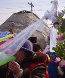 Новый год под запах пластмассовых цветов